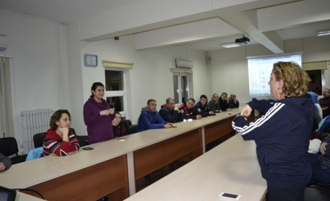 Kamuda çalışanlar işaret dilini öğreniyor