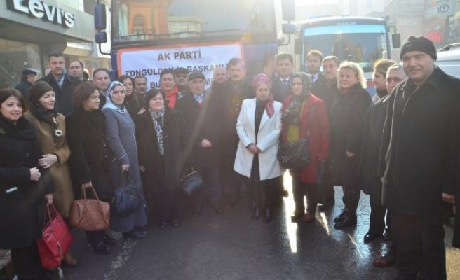 Ak parti il Başkanlığı tarafından bayır-bucak türkmenlerine yardım tır´ı gönderildi