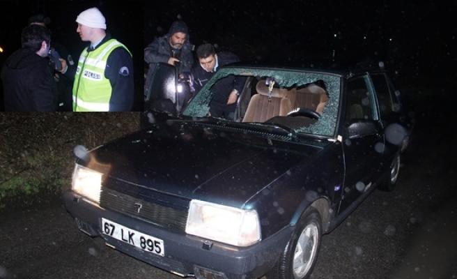 Ereğli´de üniversiteli gencin kullandığı otomobil mahallenin imamına çarptı