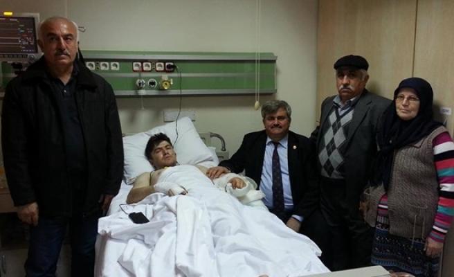 Çaturoğlundan, çatışmada yaralanan askere ziyaret