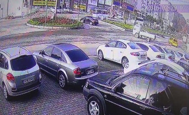 Ereğli´de otomobilin çarptığı motosiklet sürücüsü yaralandı