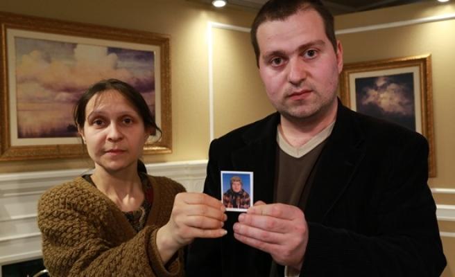 4 yıldır kayıp olan annelerini arıyorlar