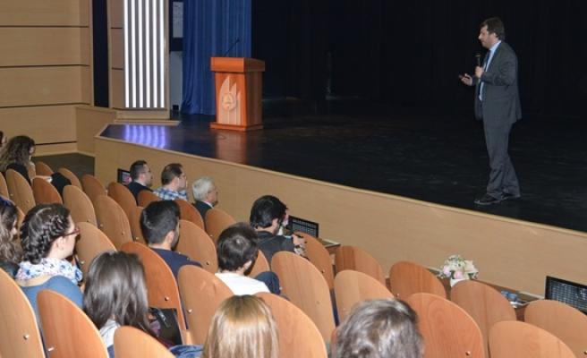 Gazeteci Gökhan Yücel: Facebook´un nüfusu Çin´i bile geçti