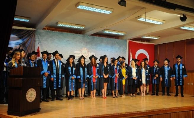 Denizciler mezun oldu