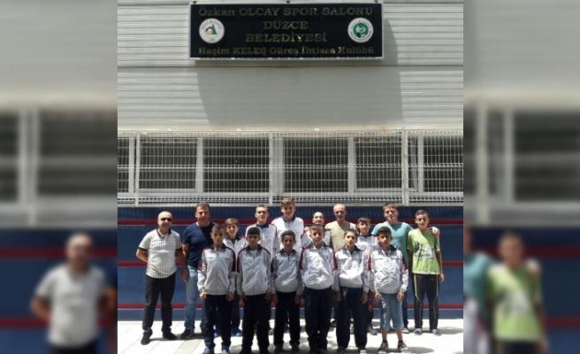 Düzceli güreşçiler Zonguldak'ta