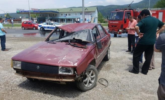 Otomobil takla attı! 1 bebek 3 kişi yaralandı