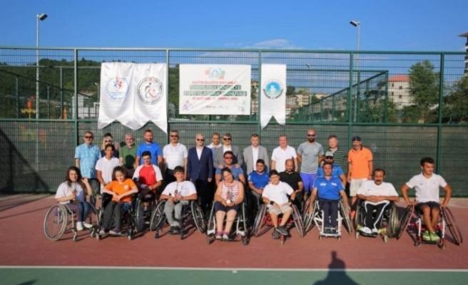Bartın'da tekerlekli sandalye tenis turnuvası düzenlendi