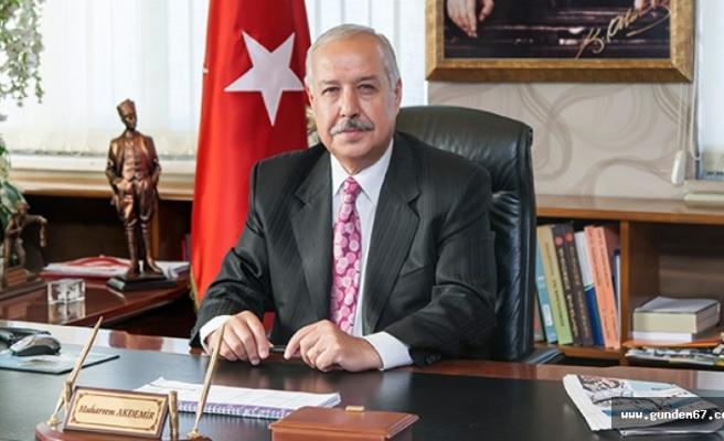 Başkan Akdemir, Haberal'ı kutladı!