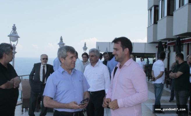 Vali Çınar sanatçılar ile buluştu