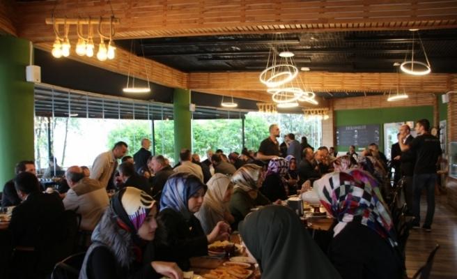 Akçokaca Belediye Başkanı Yemenici din görevlileriyle buluştu