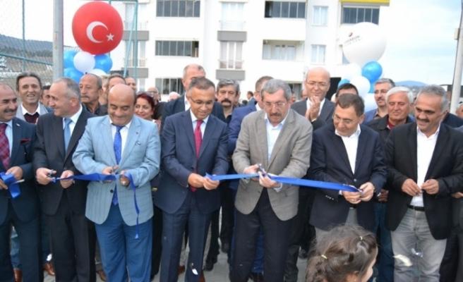 Belediye Evleri Parkı düzenlenen törenle açıldı
