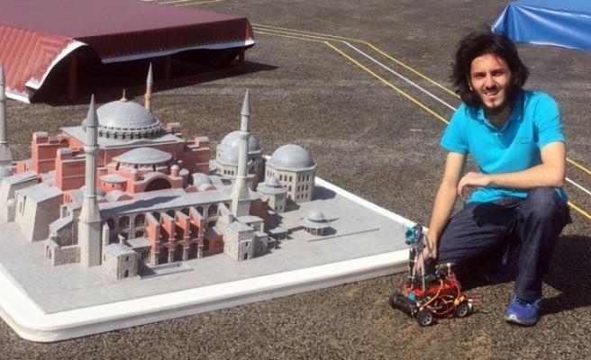 El-Ceziri adını verdiği otonom araç ile Türkiye birincisi oldu