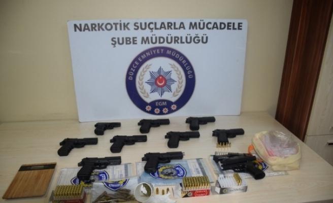 Düzce Polisinden silah ve uyuşturucu operasyonu
