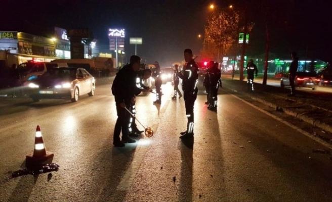 Düzce'de motosiklet yayaların arasına daldı: 1 ölü, 3 yaralı