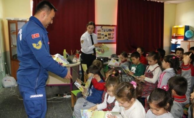 jandarmadan çocuk güvenliği semineri
