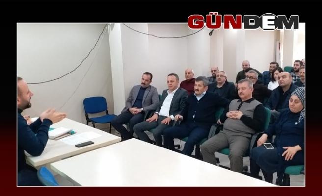 AK yöneticiler toplantı da buluştu