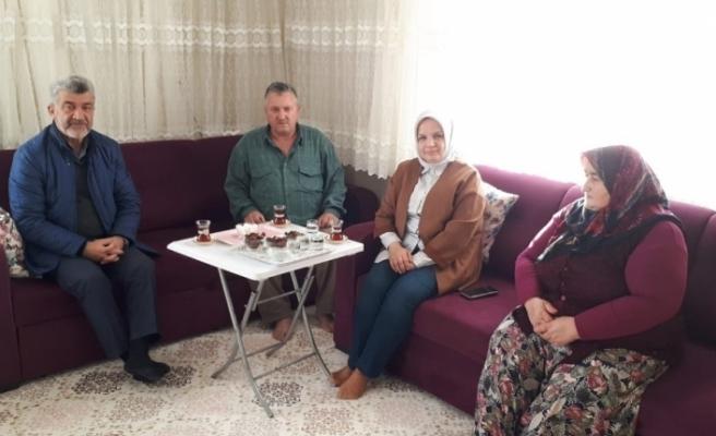 Milletvekili Keşir Başkan Yiğit ile şehit evine ziyaret etti
