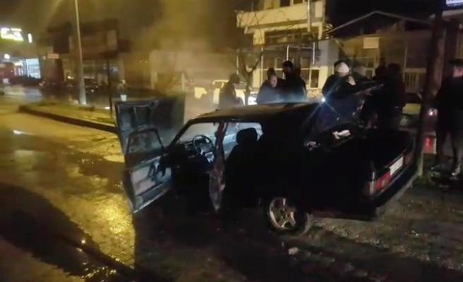 Seyir halindeyken yanan otomobil hurdaya döndü