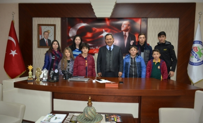 Uysal, çocuk ve gençlik meclisi ile toplantı yaptı