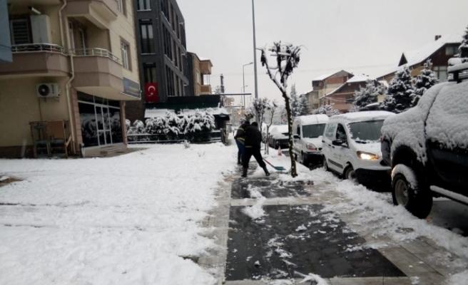 125 personelle karla mücadele devam ediyor