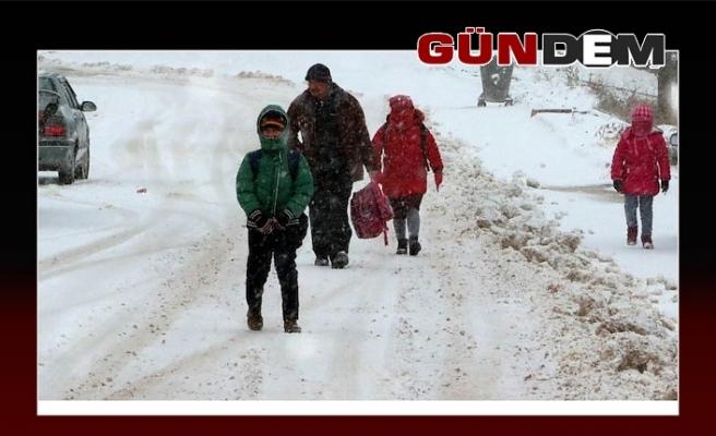Beş ilçe de okullara kar engeli