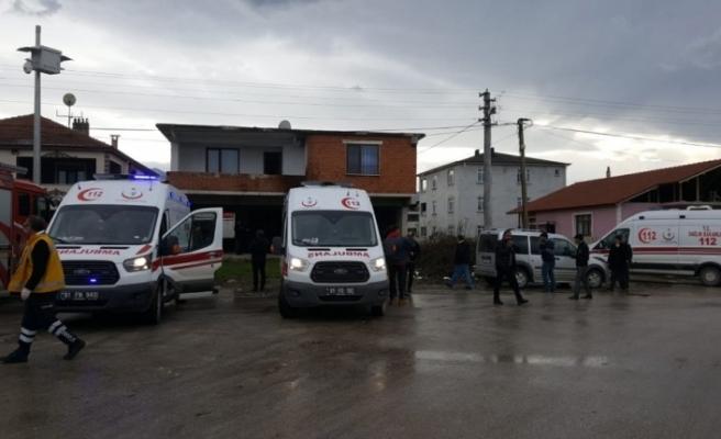 Düzce'de 2 kişi sobadan zehirlenerek hayatını kaybetti