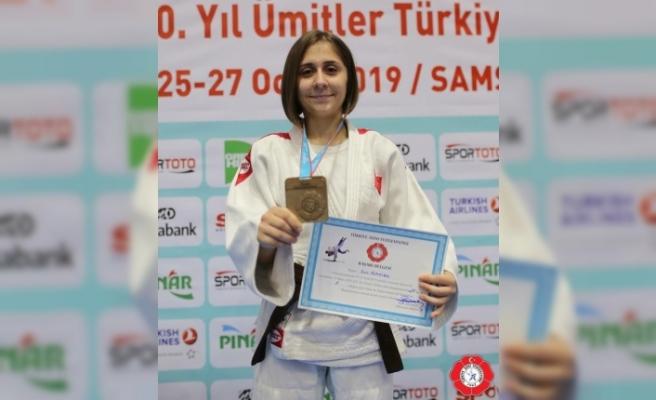 Judo'da Ecre Alayıldız Türkiye Şampiyonu oldu