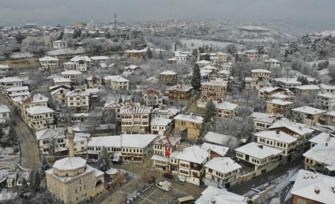 Safranbolu'da kar sonrası ortaya kartpostallık görüntüler çıktı