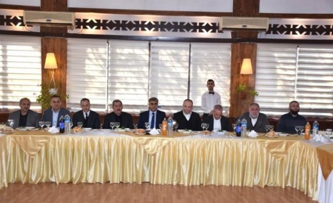 Vali Gürel, OSB'de faaliyet gösteren iş adamlarıyla bir araya geldi