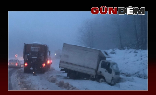 Zonguldak-Ereğli yolunda göz gözü görmüyor!