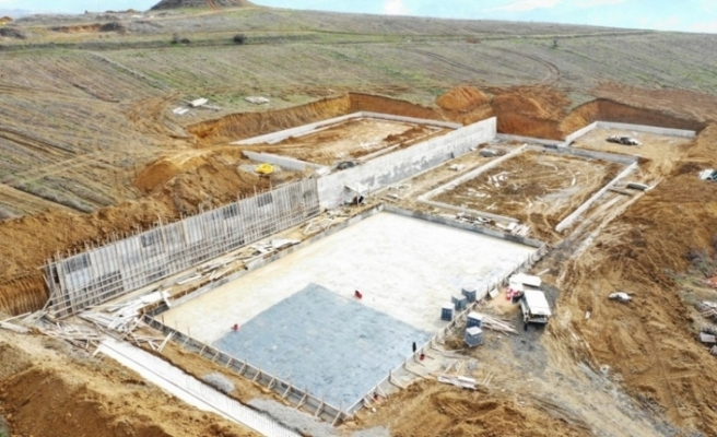 Barış Mahallesi'nde spor kompleksinin temeli atıldı