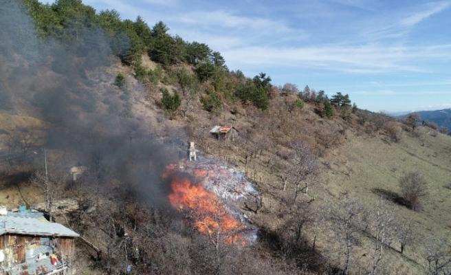 Karabük'te köy yangınında 1 ev, 2 ambar kül oldu