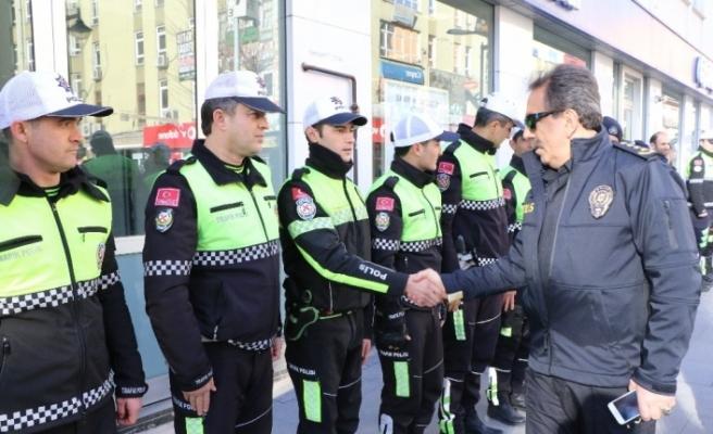 Karabük'te polisler kan vermek için sıraya girdi