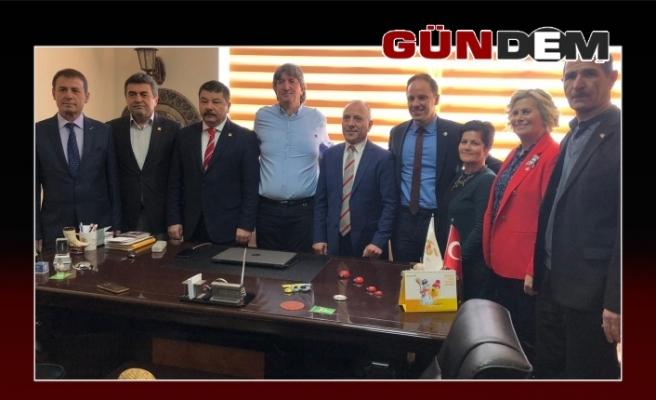 Şenol Şanal startı Gazeteciler Cemiyetinden verdi