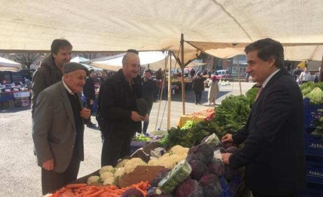AK Partili vekiller adaylara destek için çalışmalarını sürdürüyor