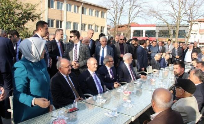 """Bakan Turhan: """"Bu millet zillet ittifakına pirim vermez"""""""