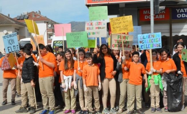 Düzce Üniversitesi öğrencileri temiz gelecek için bir araya geldi