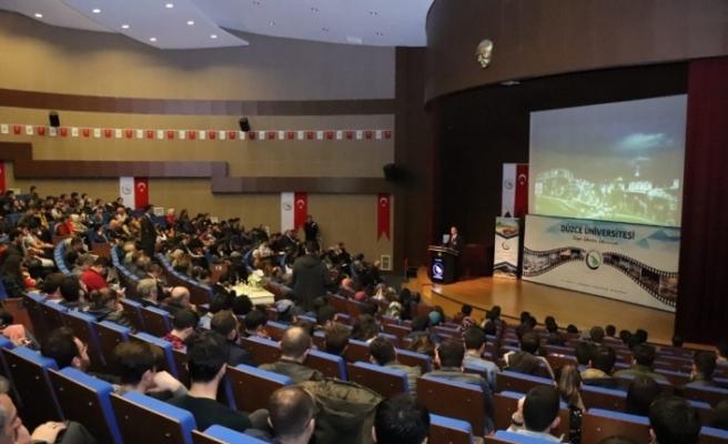 """Özlü'den """"Bilim Merkezi ve Teknoloji Üssü Türkiye"""" konferansı"""