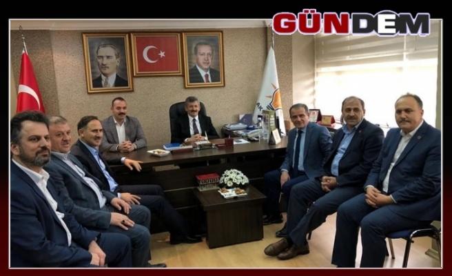 Durmuş'tan AK Parti ziyareti