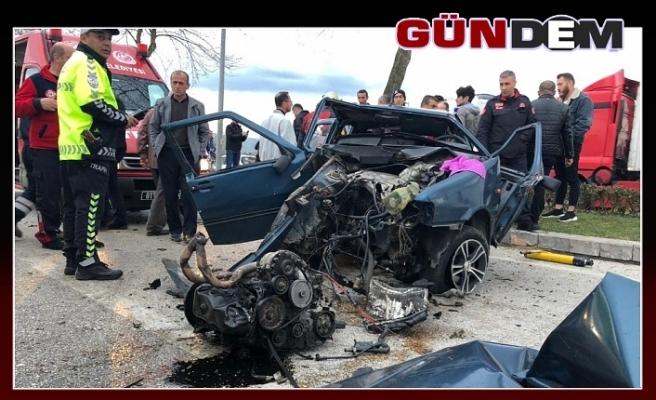 Otomobil hurdaya döndü: 2 yaralı