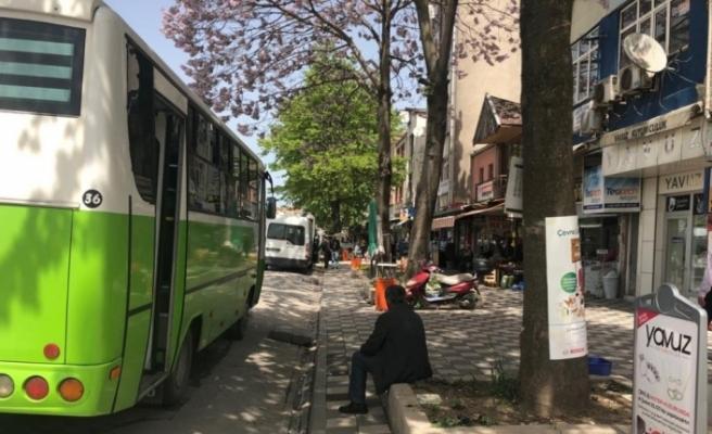 Vatandaşlar otobüs duraklarını geri istedi!..