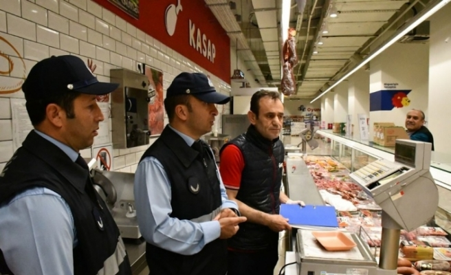 Karabük Belediyesi'nden et ve et ürünlerine ramazan denetimi