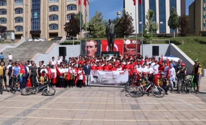 Karabük'te 'Gençlik Haftası' dolayısı ile tören düzenlendi