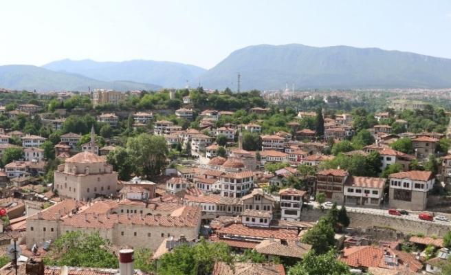 Osmanlı kenti Safranbolu'da bayram öncesi oteller yüzde 100 doluluk oranına ulaştı