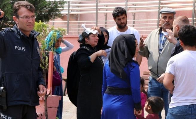 Şahitlik yapan kadın mahkeme çıkışında darp edildi