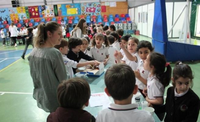 TED'te 'Bilim Şenliği' düzenlendi