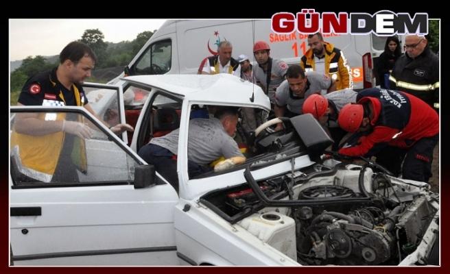 Feci Kaza, 1'i ağır 3 kişi yaralandı.