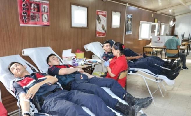 Jandarma'dan 180'inci yılında 180 ünite kan bağışı