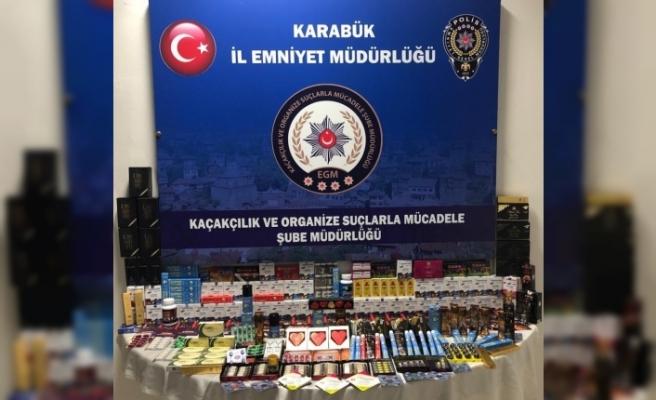 Karabük'te kaçak cinsel içerikli malzemeler ele geçirildi