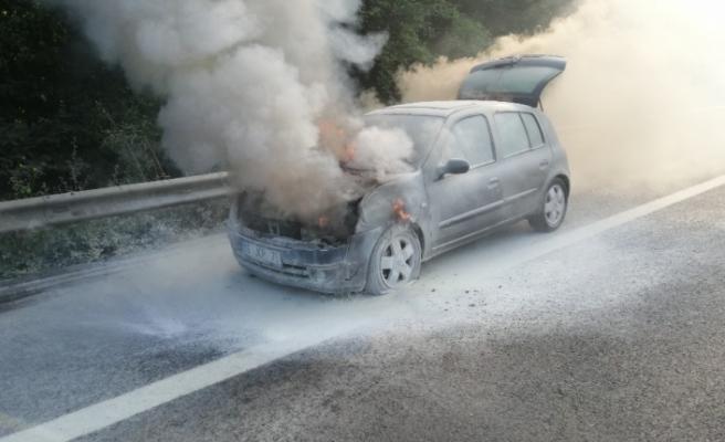 Otomobil alev alev yandı!..